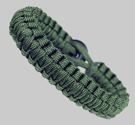 Paracord Survival Bracelet - Camo Green