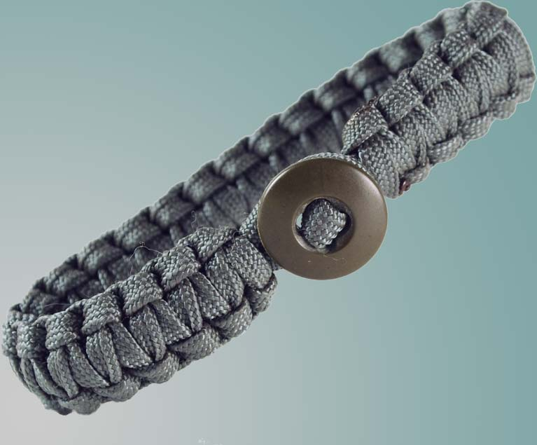 Paracord Survival Bracelet - Foliage Green